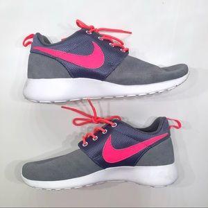 pretty nice 87e2a 3223c Nike Shoes - Nike Roshe Run Dark GreyAtomic Red-White 4Y
